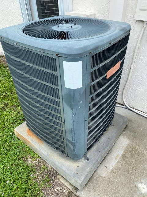 Port St. Lucie, FL - Performed an air conditioning system inspection.  Made recommendations to keep ac running efficiently.
