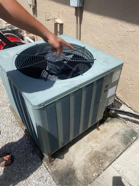 Wellington, FL - AC 12 years old; provided customer with an estimate to replace air conditioning system.