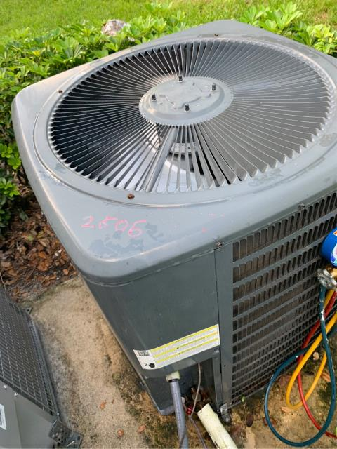 Boynton Beach, FL - Air Conditioning system maintenance; we recommend twice a year to keep ac running efficiently.