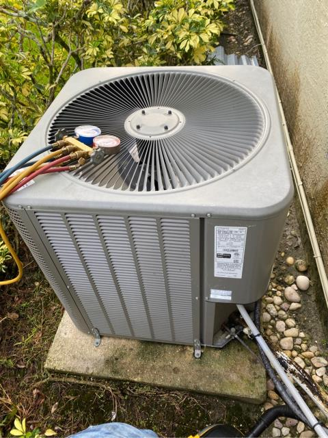 West Palm Beach, FL - Air Conditioning System tune up includes a 23 point inspection.