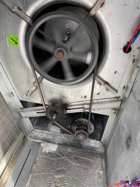Fort Pierce, FL - Air conditioning system making loud noise, lubricated pulleys and bearings on motors.