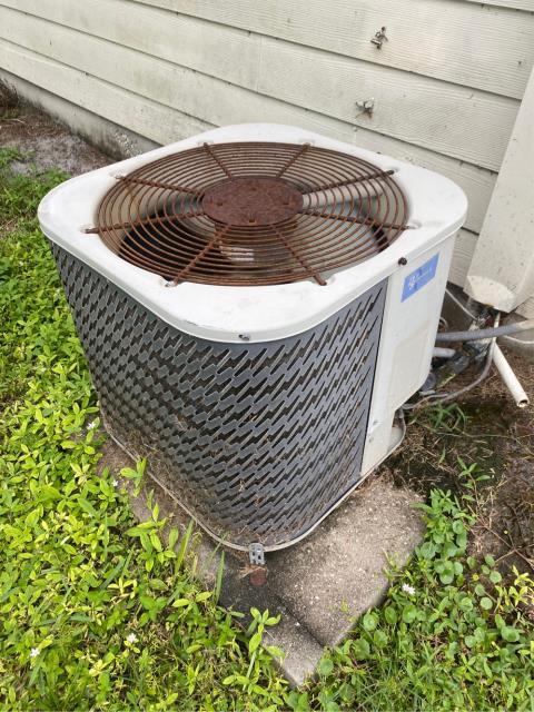 Port Salerno, FL - Estimate to replace air conditioning system for our friend's rental property.