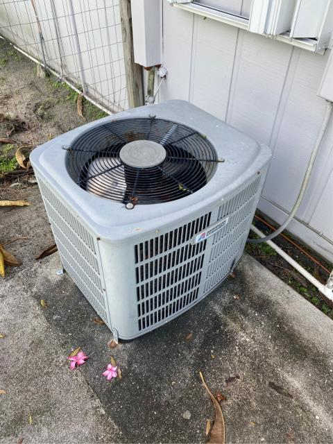 Port St. Lucie, FL - Air conditioning system very old and not running efficiently.  We provided customer with a free estimate to replace ac system.