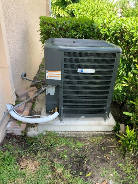 Palm City, FL - Installed new air conditioning system; 4 ton, 16 seer, high energy efficiency in the beautiful development of Highland Reserve.