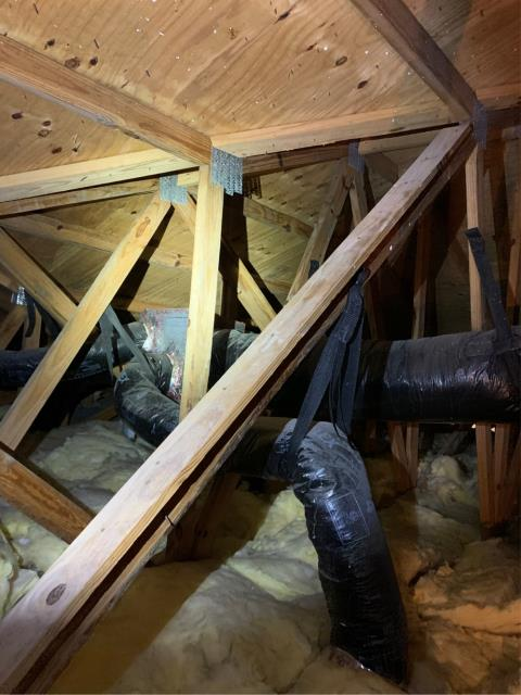 Riviera Beach, FL - Estimate to replace/repair duct work so that air conditioning system can run more efficiently.