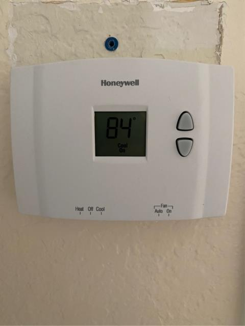 Port St. Lucie, FL - Air conditioning system not cooling; replace thermostat and ac working!