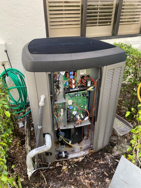 West Palm Beach, FL - Air conditioning system not cooling; replaced blower motor and ac system working!