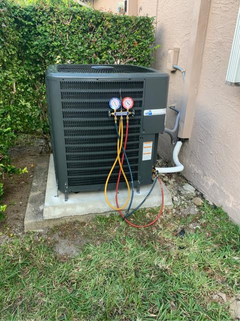 Deerfield Beach, FL - Installed new air conditioning system; 4 ton, 16 seer, higher energy efficiency.  We love our referrals from customers and friends!