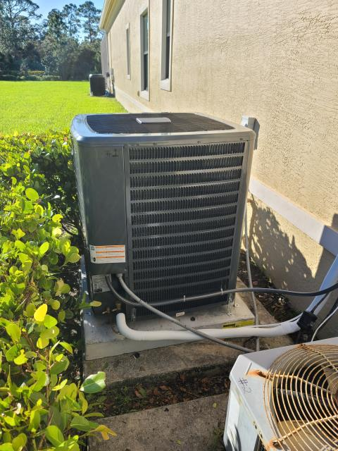 Palm City, FL - Air conditioning system installation; 4 ton; 18 seer, high energy efficiency.  We love our friends in Highland Reserve!