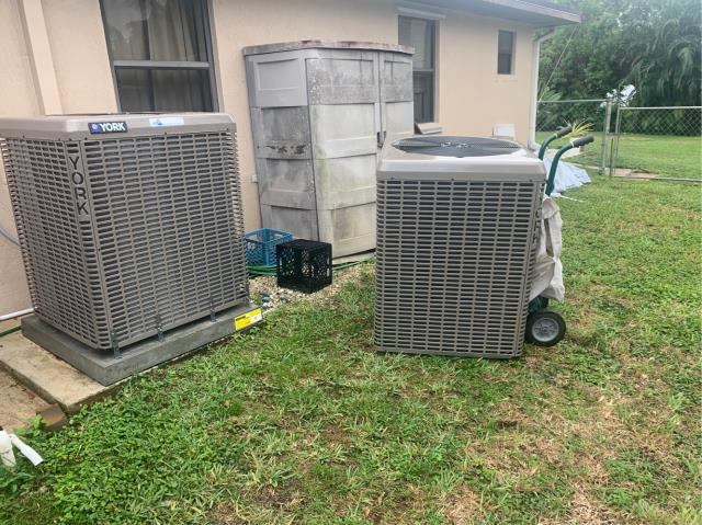 Hobe Sound, FL - Air conditioning system condenser making terrible noise; swapped out for new condenser under warranty.