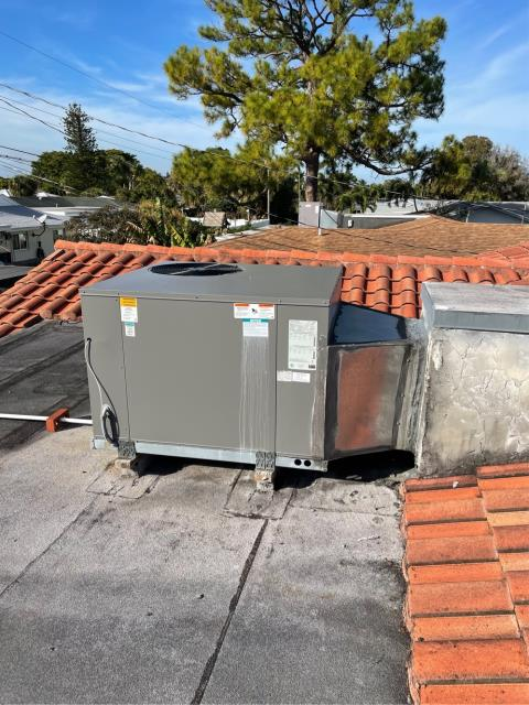 Palm Beach Gardens, FL - Air conditioning system not running efficiently; provided customer with an estimate to design and replace ductwork and air distribution system.