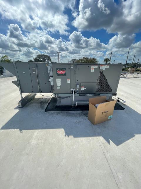 West Palm Beach, FL - Air conditioning system maintenance performed four times a year to keep all the ac systems running efficiently.