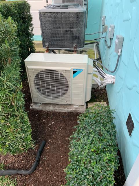 Palm City, FL - Installed Daikin mini split air conditioning/heating system. This system is 17.00 SEER and high energy efficiency.