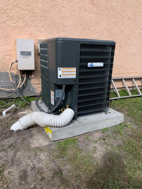 Port St. Lucie, FL - Air conditioning system installation of a 3.0 Ton, 14 seer, single state compressor and fan motor.  This installation comes with a 10 year parts warranty.