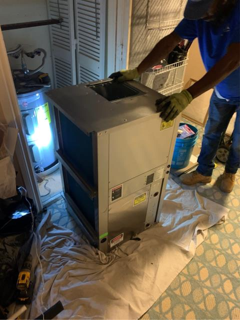 Boca Raton, FL - Installation of a 2.5 Ton Water Source Heat pump air conditioning system. This system comes with a Nest WiFi Thermostat, 5 year mfg's compressor warranty and a 1 year labor and parts warranty.