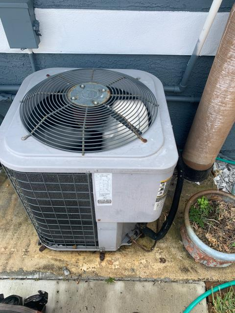 Port St. Lucie, FL - Air conditioning system routine maintenance includes a 23 point inspection and recommended twice a year to keep your ac running efficiently.