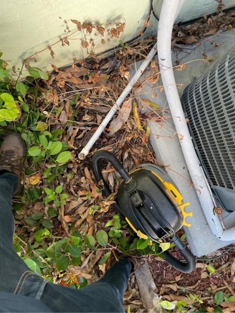 West Palm Beach, FL - Air conditioning system not coming on; found clogged drain line. 