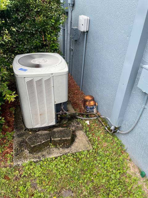 Port Salerno, FL - Air conditioning system estimate to replace ac that fits in customers budget and fit his needs.