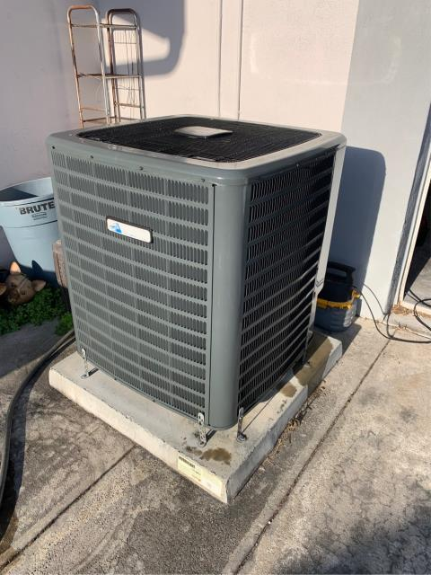 Loxahatchee Groves, FL - Air conditioning system maintenance includes a 23 point inspection and recommended twice a year to keep your ac system running efficiently.