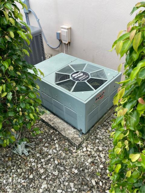 West Palm Beach, FL - Air conditioning system estimate to replace provided to customer in her budget and to fit her needs.