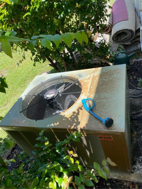 Coconut Creek, FL - Air conditioning system estimate to replace ac system and to replace duct work.  We provide all estimates free of charge to suit customers needs and budget.