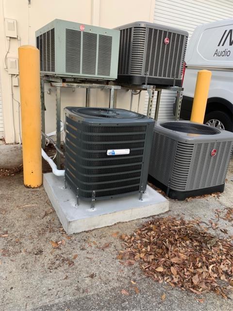 Wellington, FL - Air conditioning system installation of a commercial ac system. This is a 2 ton, 14 SEER, single stage compressor and fan motor, and comes with a 5 year parts warranty.