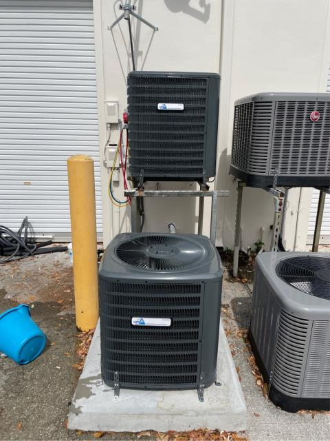 Wellington, FL - Air conditioning system commercial installation of a 3.0 ton, 14 SEER, single stage ac system.  This system comes with a 5 year parts warranty and 2 year replacement warranty.