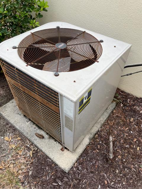 Wellington, FL - Air conditioning system estimate to replace system provided to meet customers needs and fit his budget.