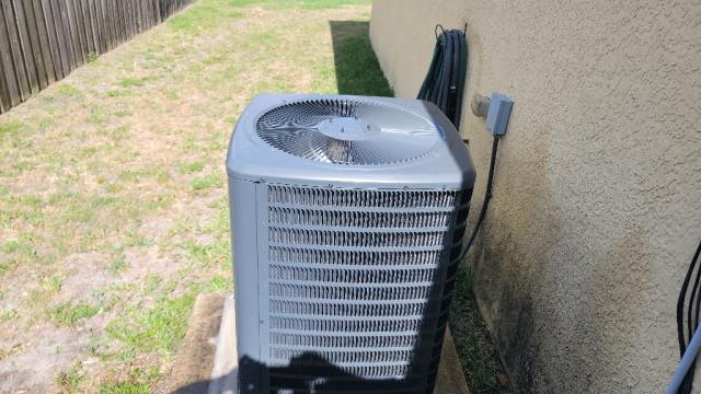 Port St. Lucie, FL - Air conditioning system tune up includes a 23 point inspection and is recommended annually to keep your ac running efficiently.