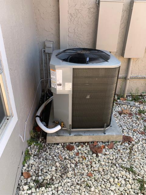 Port Salerno, FL - Air conditioning system installation in clients budget and to suit her needs.