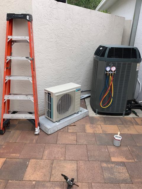 Palm Beach Gardens, FL - Mini split air conditioning system installation. This is a .75 ton, 17 SEER, variable speed and condenser fan motor with a 10 year parts and labor included.