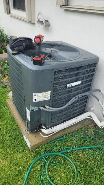Palm Beach Gardens, FL - Air conditioning system complimentary tune up comes with all new ac systems we install 6 months after installation.  All tune ups include a 23 point inspection.