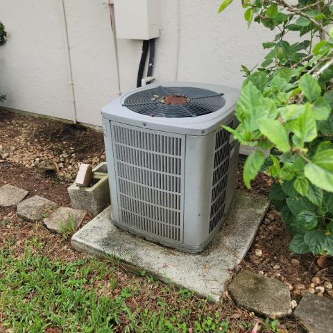 Port St. Lucie, FL - Air conditioning system tune up includes a 23 point inspection and is recommended annually to keep your ac running efficiently all year round.