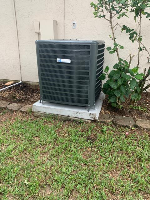 Port St. Lucie, FL - Air conditioning system installation of a 3.0 ton, 16.00 SEER, single state compressor and condenser fan motor ac system.  This system comes with a 10 year labor and parts warranty.