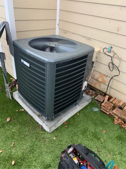 Jupiter, FL - Air conditioning system installation of a 3 ton, 16 SEER,  single stage compressor and condenser fan motor.  This unit comes with a 10 year parts and labor warranty.