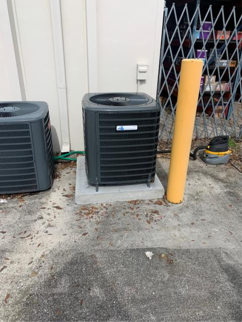 Wellington, FL - Air conditioning system installation of a 2 ton, 16 seer, single stage compressor and condenser fan motor.  This system comes with a 5 year parts warranty.