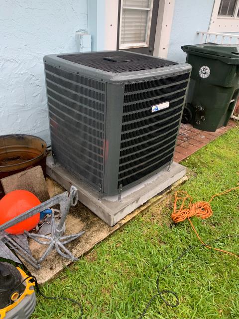 Boca Raton, FL - Air conditioning system installation of a 4 ton, 16.00 SEER, multi-speed ac system.  This system comes with a 10 year labor warranty and 2 year replacement warranty.