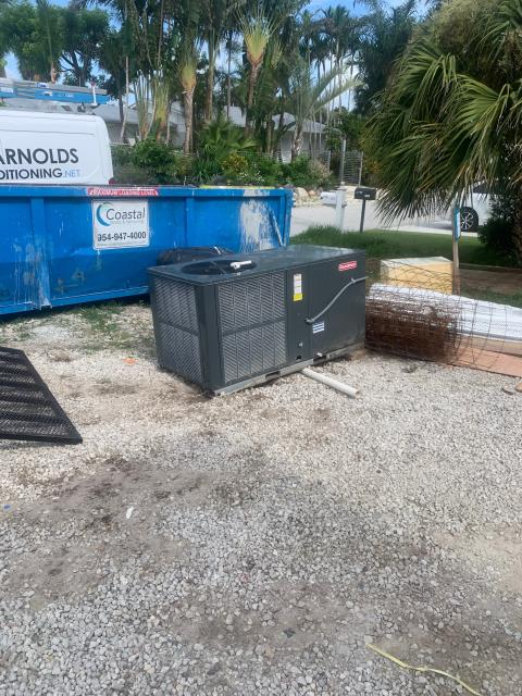 Jupiter, FL - Installation of a temporary air conditioning system and ductwork while construction is being done.