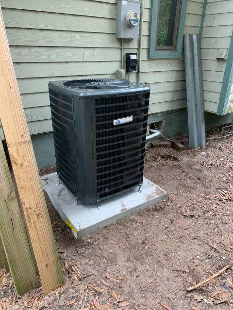 Palm City, FL - Air conditioning system installation of a 16.00 SEER, single stage compressor and condenser fan motor.  This system has a 10 year parts warranty and 5 year labor warranty.