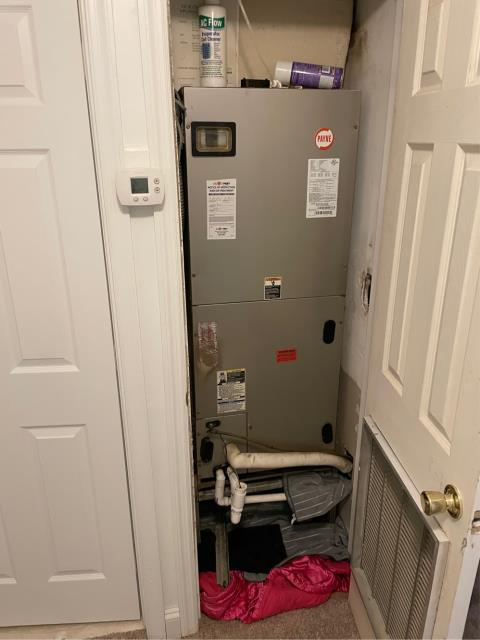 Riviera Beach, FL - Air conditioning system free estimate provided to customer in his budget and to suit his needs.