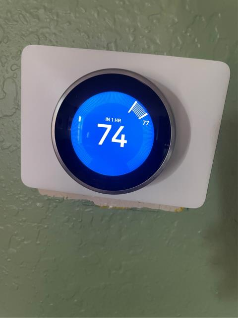 Wellington, FL - Air conditioning system not cooling; found and replaced bad thermostat.  All operations working!