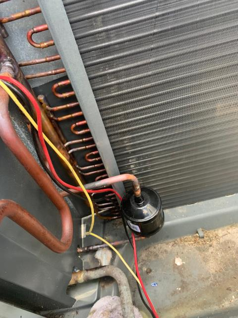 Port St. Lucie, FL - Air conditioning system not cooling; found and replaced bad coil.  All operations working!