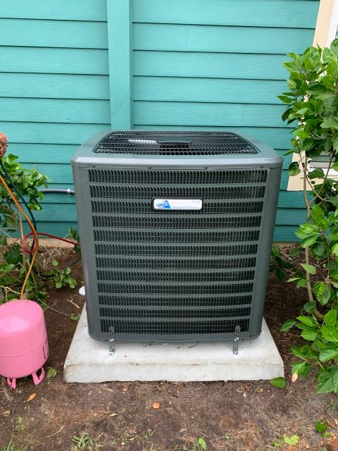 Hobe Sound, FL - Air conditioning system installation of a multi speed ac system for better comfort.   This system comes with a 10 year parts and labor warranty.