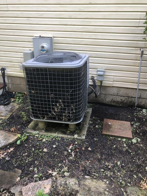 Hilliard, OH - Comfortmaker AC system has a leak. Suggested  electronic leak search.