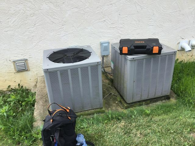 Galena, OH - Diagnostic Call Performed on a Weather King 2005 Unit. Found unit low on refrigerant added 1.5lbs of R-22 Freon.