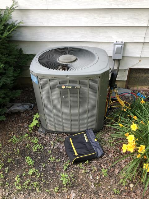 Dublin, OH - Evap coil is freezing over and causing a leak due to clogged filter restricting air flow, Filters needs replaced,made customer aware, Recommend going to a pleated filter . System operational at departure.