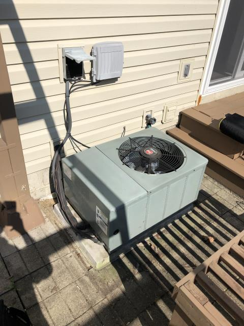 Hilliard, OH - Upon arrival found condenser not operational, After further diagnostic discovered that the disconnect pull has been disengaged by someone, Reinserted disconnect system kicked on operational normal,