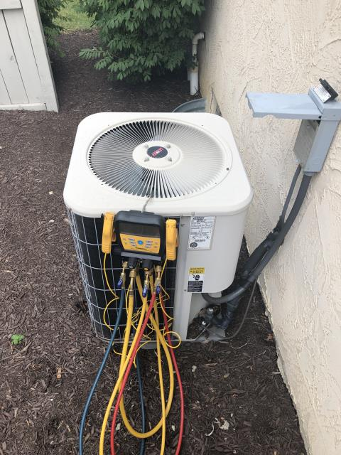 Powell, OH - I replaced the Compressor-Motor Surge Capacitor and added 1 pound of Refrigerant R-22 Freon  into the 2001 Lennox