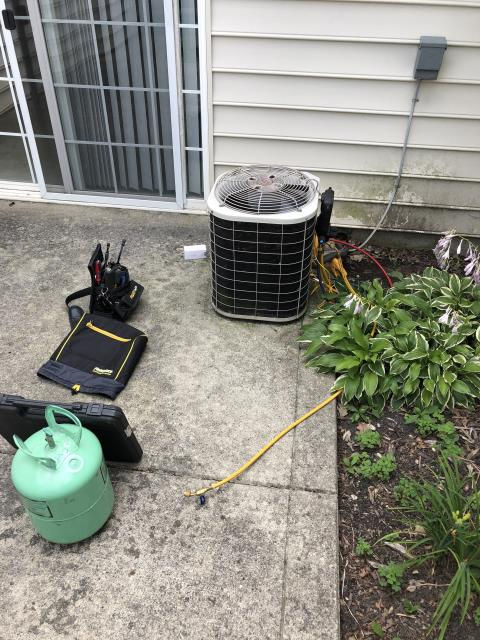 New Albany, OH - I replaced the Compressor-Motor Surge Capacitor and added 1 pound of Refrigerant R-22 Freon in to the 2004 Bryant