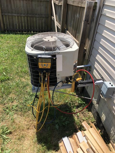 Pataskala, OH - Refrigerant R-22 Freon  in to the 2004 Bryant, Approximately 5 pounds fully charged